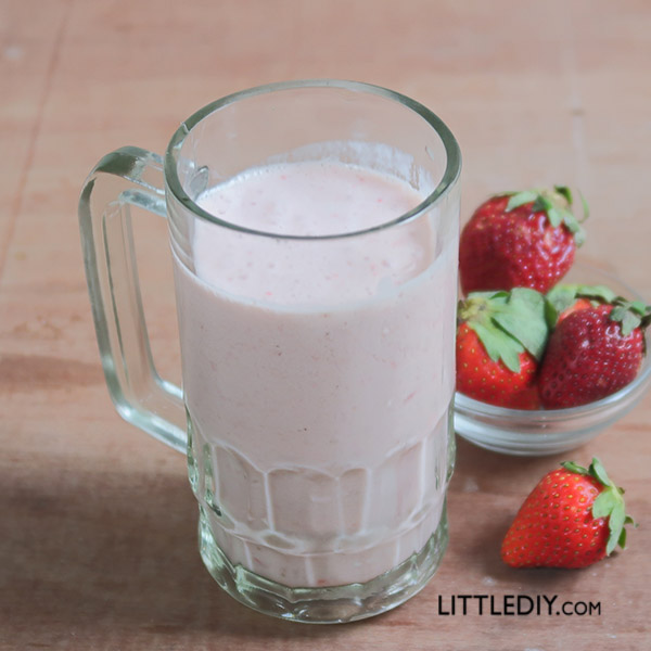 KETO STRAWBERRY MILK